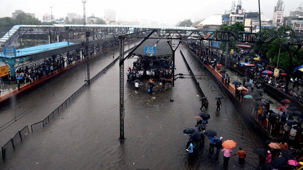 Ola, RedBus, OYO have offered free transport and shelter to people stranded in Mumbai.