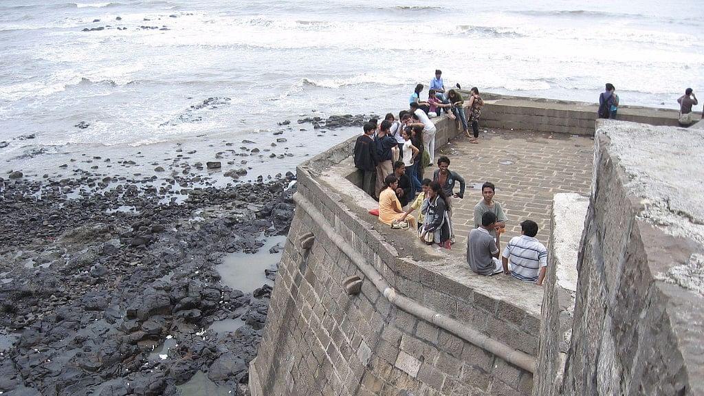 QMumbai: No Revamping of Bandra Fort; Good News for Slum Dwellers