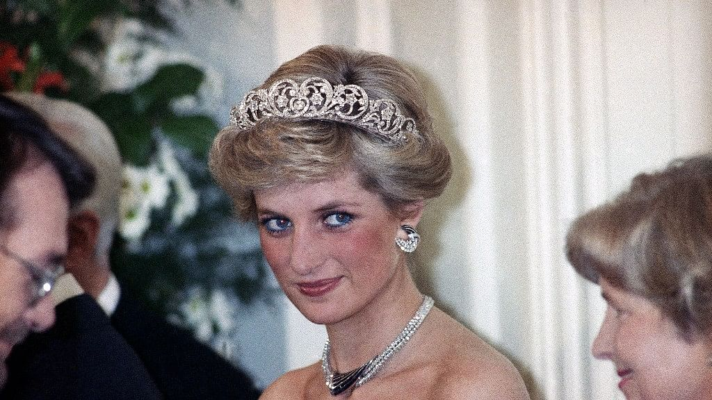Princess Diana in an evening reception given by by West German President Richard Von Weizsacker, 1987.