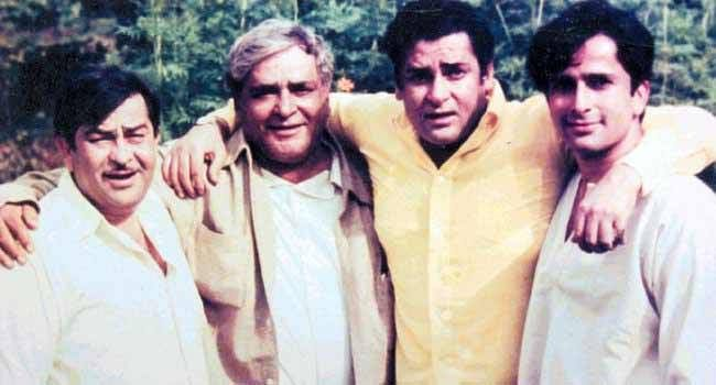 The Kapoor brothers with their father Prithviraj Kapoor.
