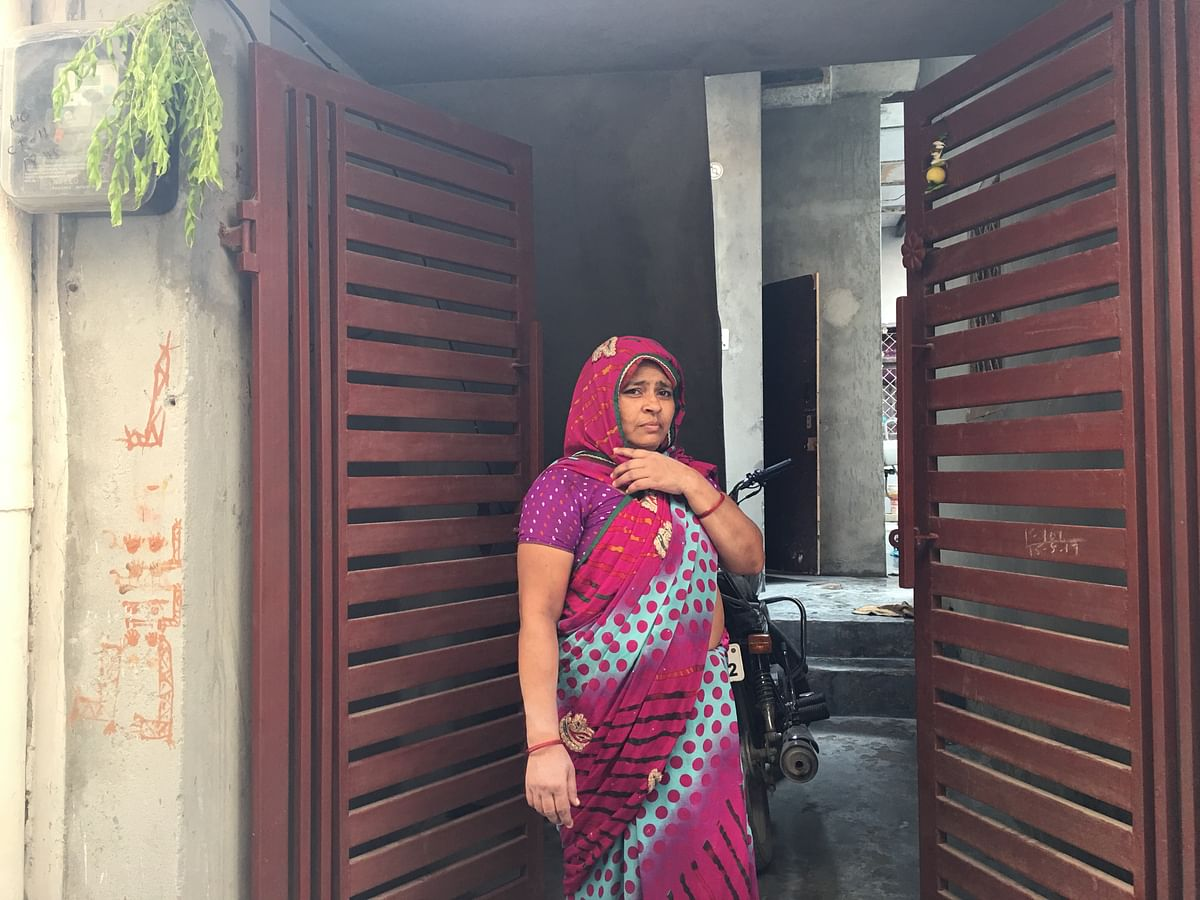 Shashi lives opposite Kamlesh's house, where the braid chopping incident happened. She has hung lemon with chillies and neem leaves on her door.