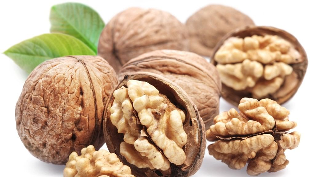 Eat Walnuts Daily for Better Gut and Heart Health