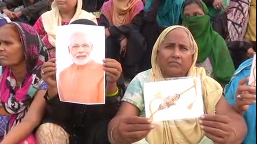 PM Modi, Yogi Thanked with Rakhis for Raising Triple Talaq Issue