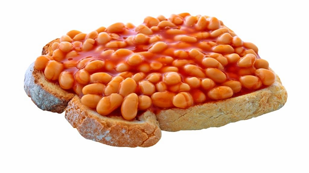 Baked beans with bread is not just tasty but also healthy.