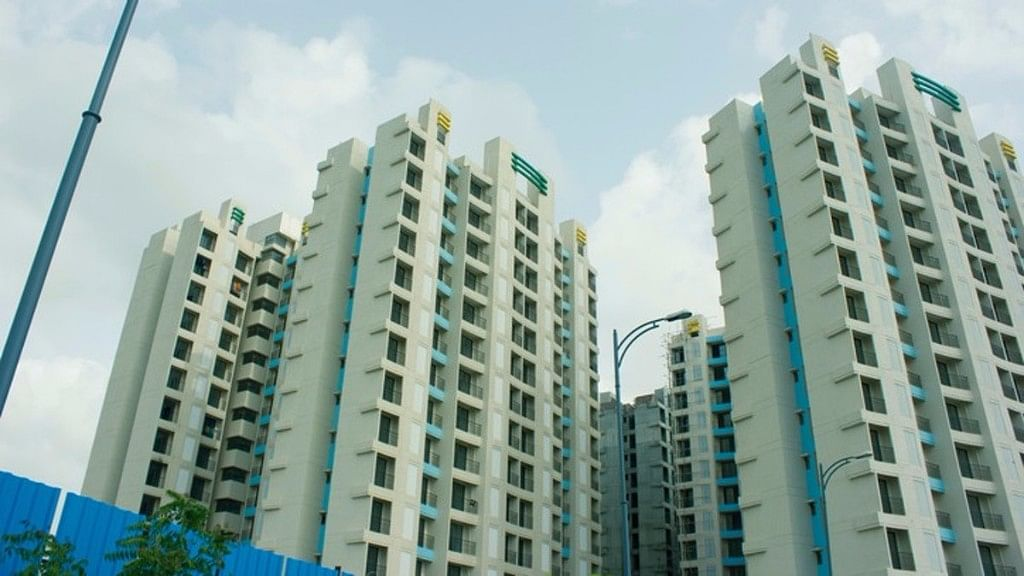 Data provided by the Reserve Bank of India shows that growth in bank lending to the housing segment slowed to 10 percent year-on-year in the month of July.