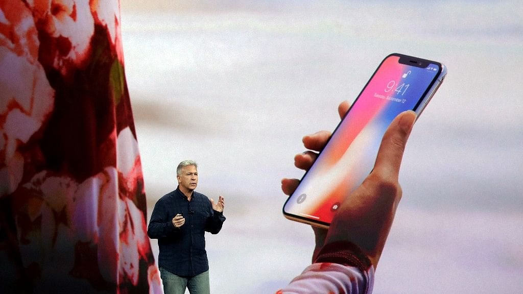 Phill Schiller demonstrating the face ID on iPhone X.
