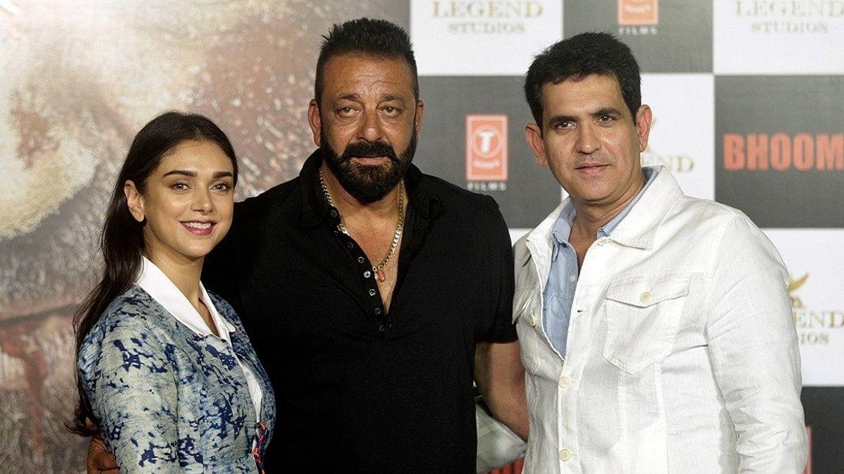 Sanjay Dutt with his <i>Bhoomi</i> director Omung Kumar and co-actor, Aditi Rao Hydari.