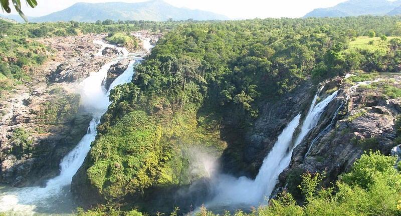 Gaganachukki Falls at Shivasamudram.