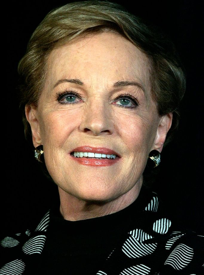 Andrews's debut feature film, Mary Poppins (1964) won her the Oscar for the Best Actress.