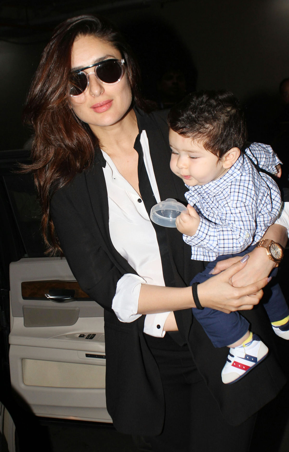 Kareena spotted with Taimur.