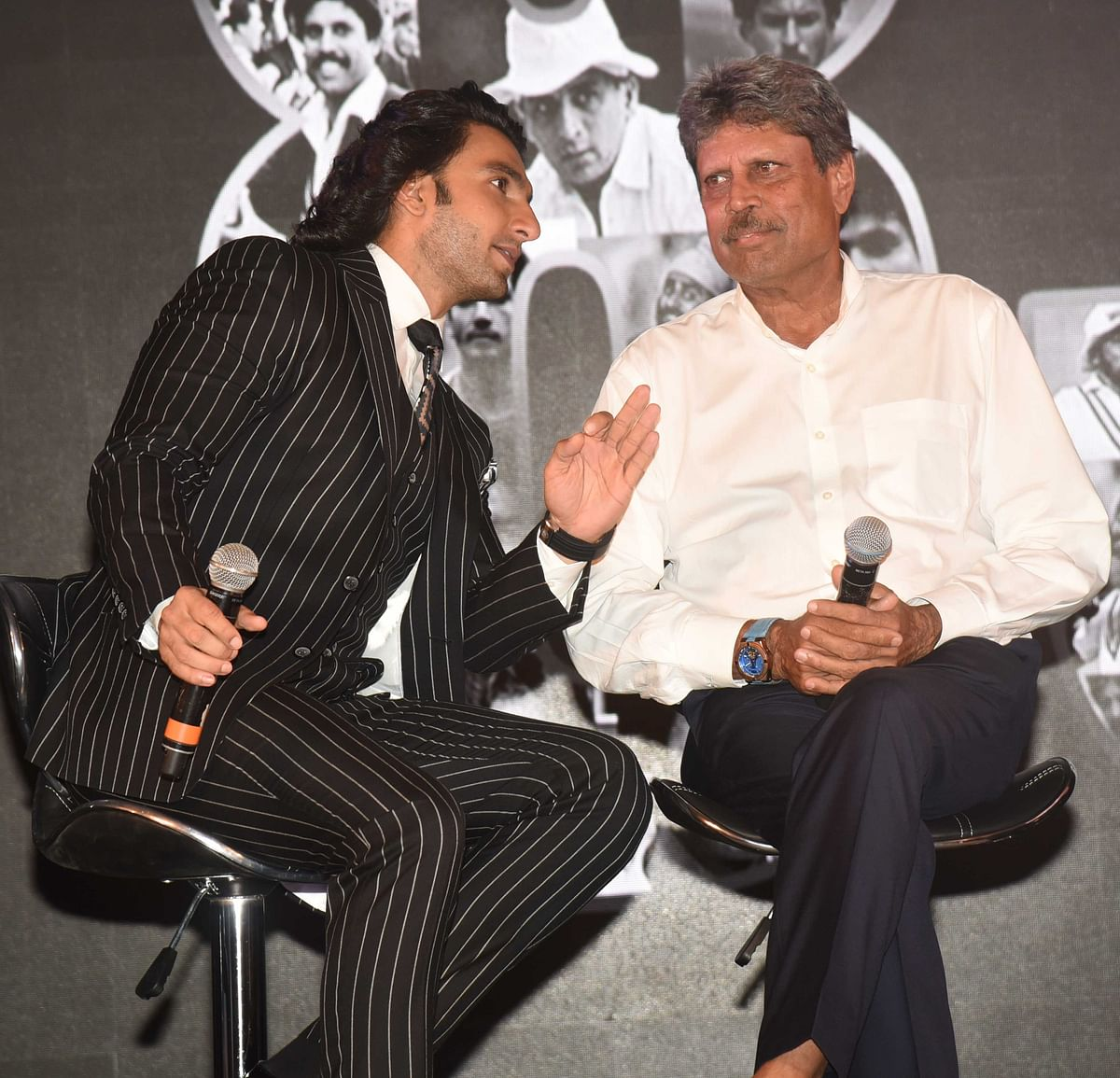 Ranveer and Kapil in a deep conversation.