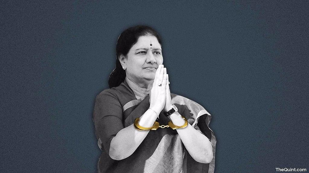 QChennai: Cyclone Gaja's U-Turn to Chennai; Sasikala Targets Maran