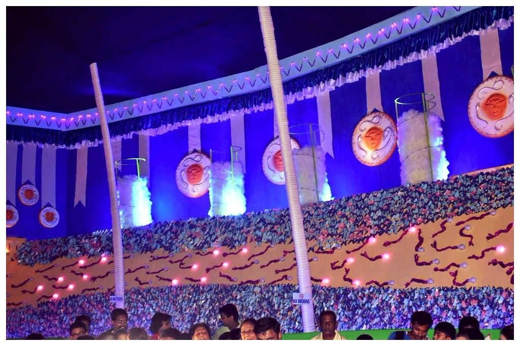 The pandal also hows travelling sperms. (Photo Courtesy: Purbalok Sarbojanin)