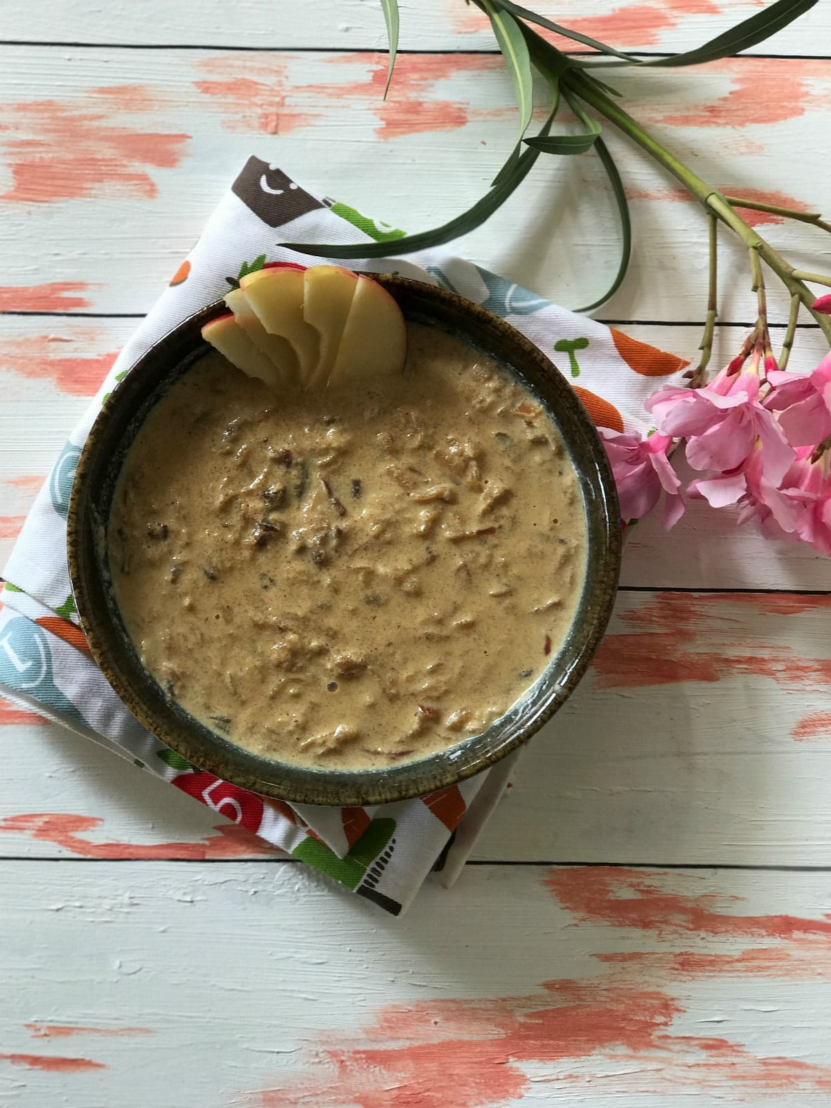 The  kheer gets its sweetness from apples and dates.