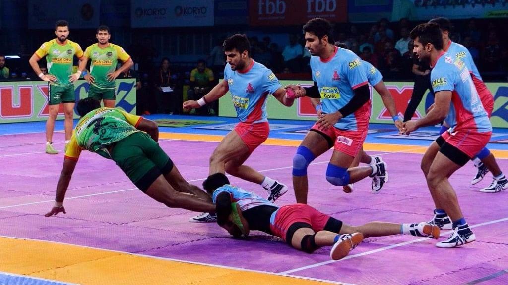 Patna Pirates vs Jaipur Pink Panthers.