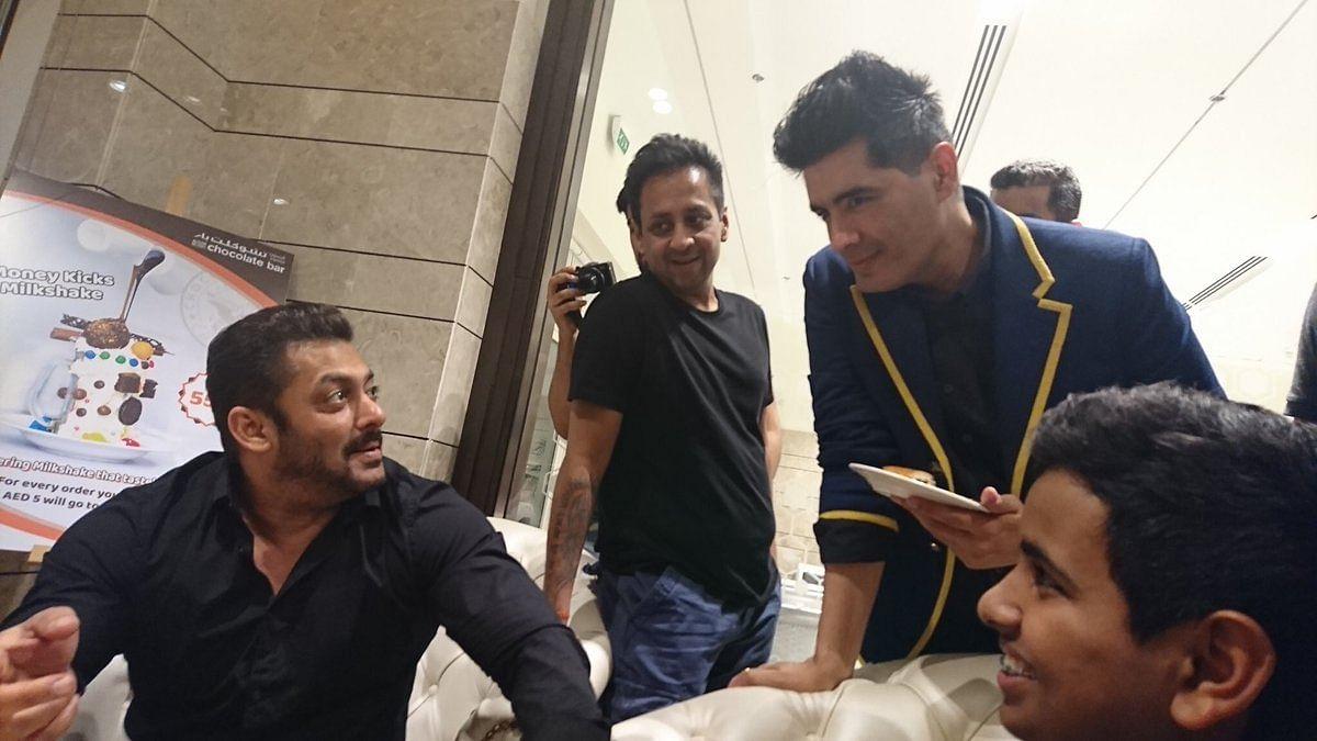Salman: Want some? Manish: NO SUGAR!