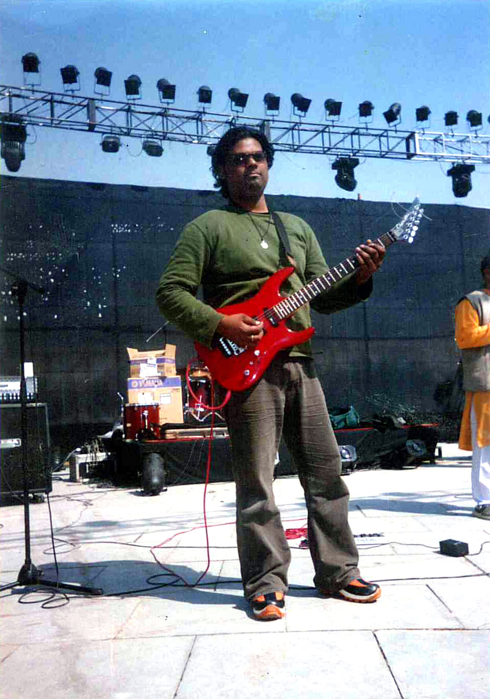 Sumit was part of a band called 'Nakshatra' from 1998 to 2007