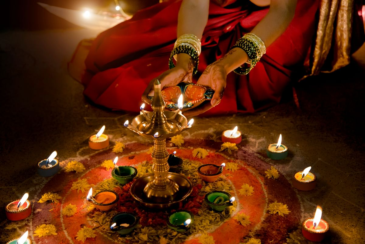 Keep your ethnic game strong this Diwali (Photo: iStock)
