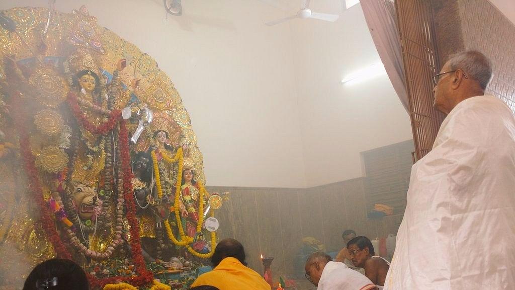 Pranab Mukherjee at his ancestral home in West Bengal during 2016's Durga Puja