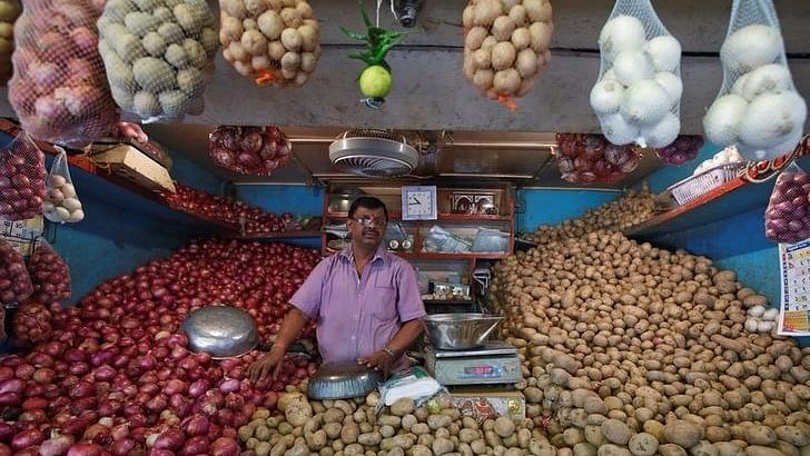 Nov Inflation at 3-Year High of 5.54%, Oct Factory Output Negative