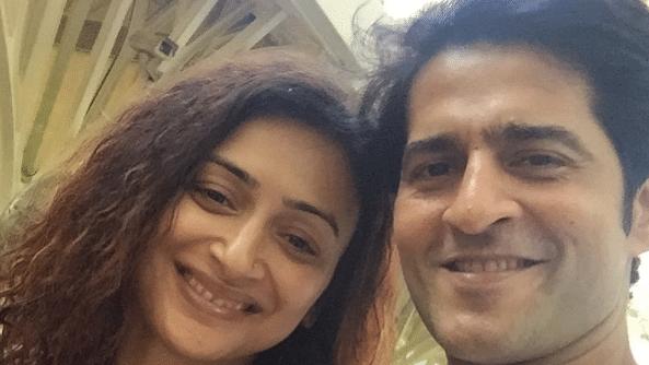 HitenTejwani with his wife Gauri Tejwani.