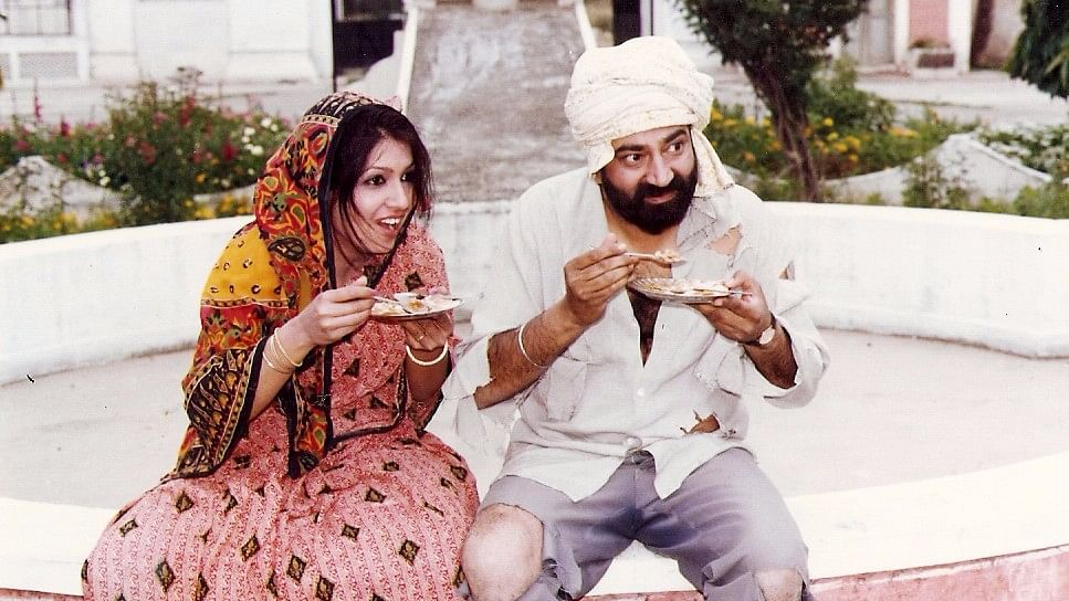 Jaspal Bhatti and Savita Bhatti while shooting the TV series, <i>Flop Show.</i>