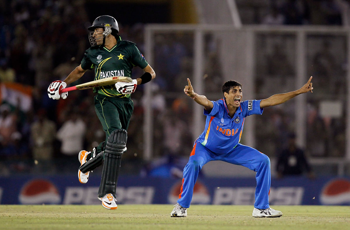 Ashish Nehra appeals for a wicket.