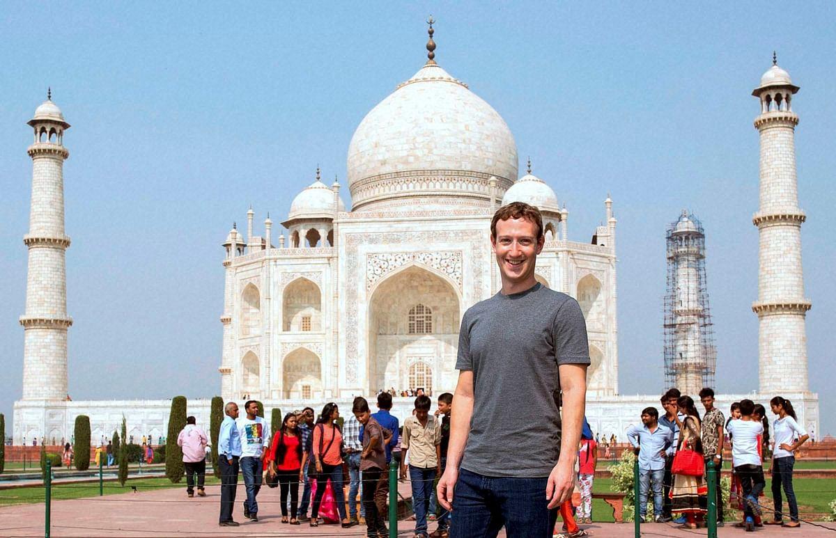 "Mark Zuckerberg at the Taj Mahal, 2016 (Photo Courtesy: <a href=""https://www.facebook.com/photo.php?fbid=10102443799727551&amp;set=pb.4.-2207520000.1507268511.&amp;type=3&amp;theater"">Facebook/Mark Zuckerberg</a>)"