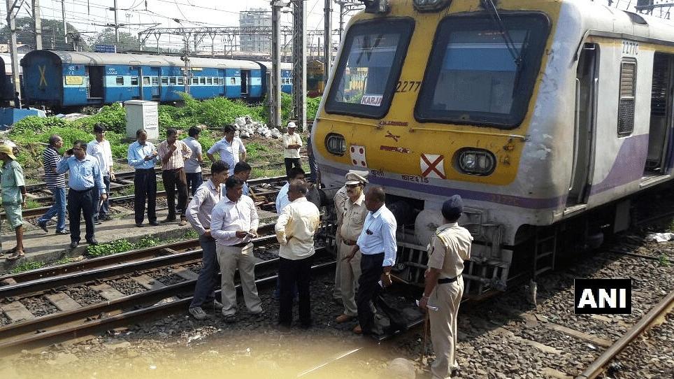 Local train heading to Kaskar derailed as CST on Sunday.