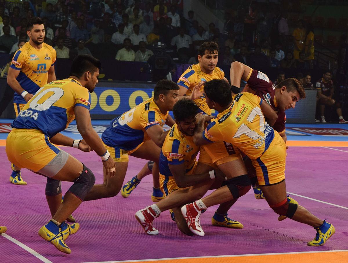 Pro Kabaddi League: UP Yoddha Defeat Tamil Thalaivas 37-33
