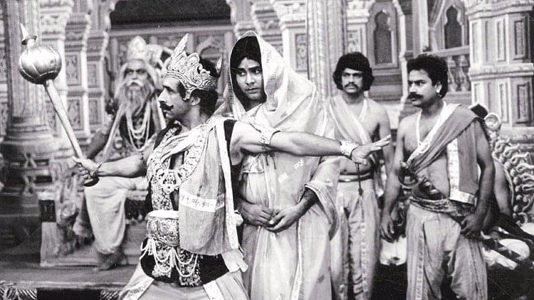 Kundan Shah's <i>Jaane Bhi Do Yaaro</i>&nbsp;will always remain a masterpiece of satire.