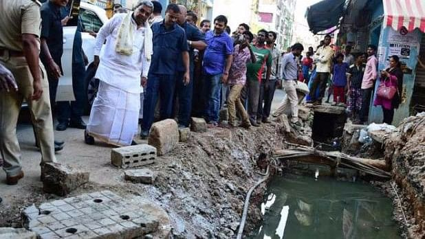Chief Minister Siddaramaiah inspecting one of the SWDs