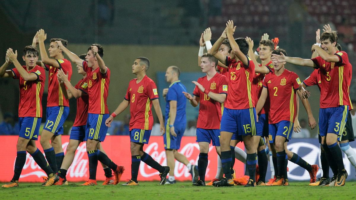 The Spanish team celebrates after beating Mali in the FIFA U-17 World Cup semi-final at the DY Patil Stadium in Mumbai on Wednesday.