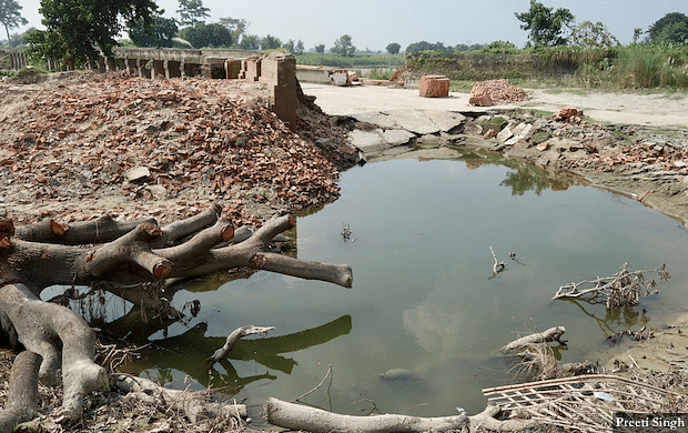Triveni Canal breached due to the high velocity floodwater of Harbora river, providing respite to Marjadi village which would have otherwise washed away due to the rising waters.