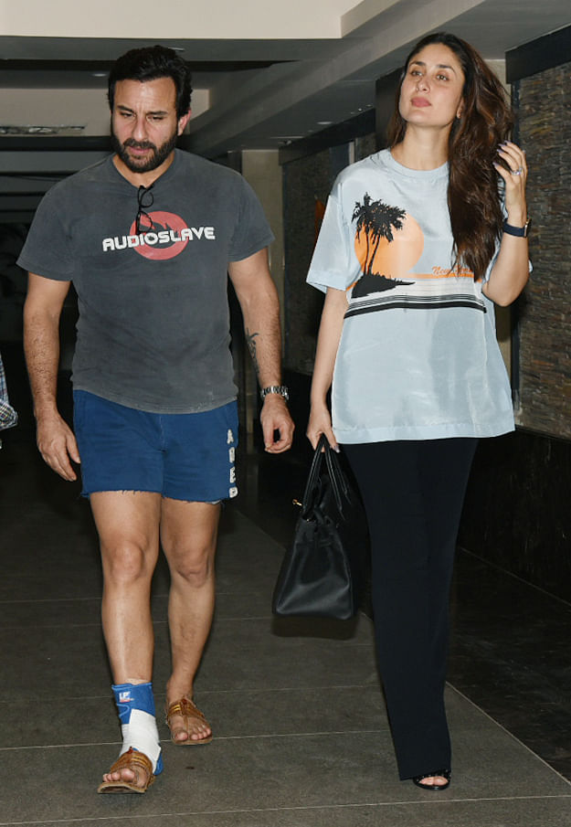 Saif Ali Khan with Kareena Kapoor on their way to wish Soha Ali Khan.
