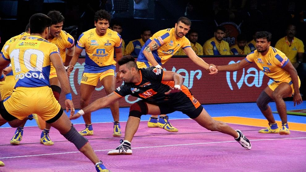 Maninder Singh scored 12 raid points to lead Bengal Warriors to a 34-30 victory over Tamil Thalaivas.
