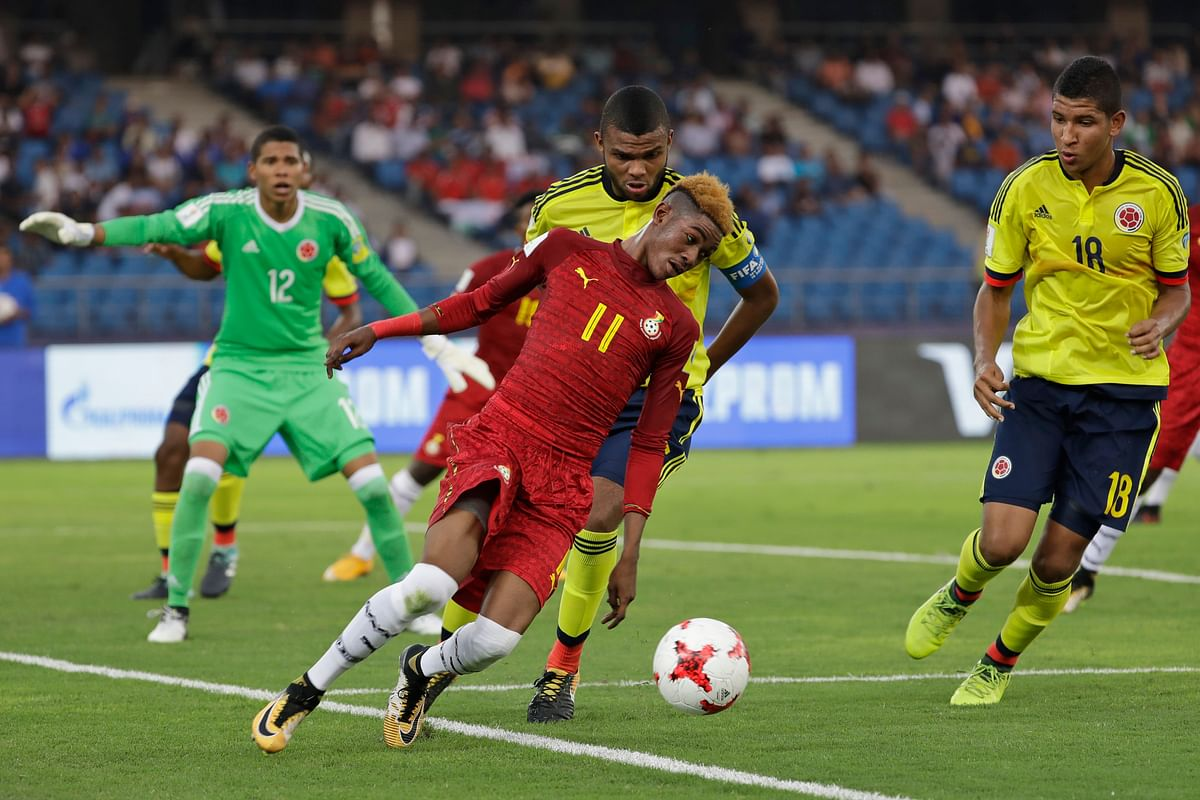 Ghana's Aminu Mohammed controls the ball during the match against Colombia.