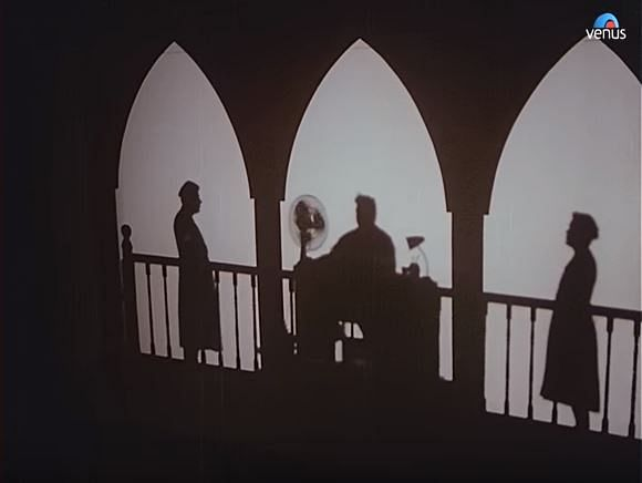 Yash Chopra experiments with light and shadow in this breathtaking shot.