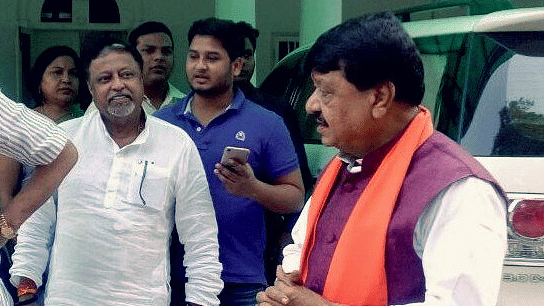 Mukul Roy met the BJP's in-charge of West Bengal, Kailash Vijayvargiya on Monday.