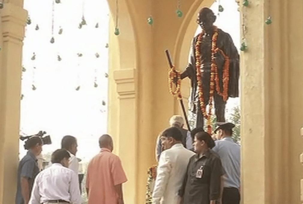 President, PM Modi Pay Tribute to Gandhi, Lal Bahadur Shastri