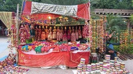 """Delhi Haat has one of the most exuberant Diwali melas. (Photo Courtesy: Facebook/<a href=""""http://bit.ly/2krzItW"""">Dilli Haat</a>)"""