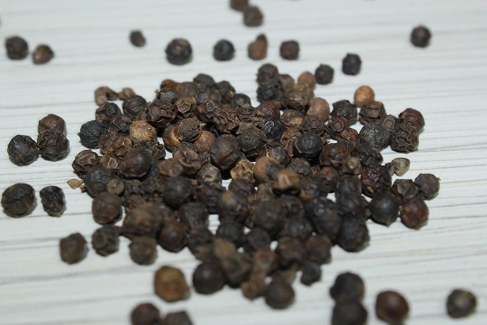 Due to its anti-bacterial properties, black pepper helps in curing cold and cough.