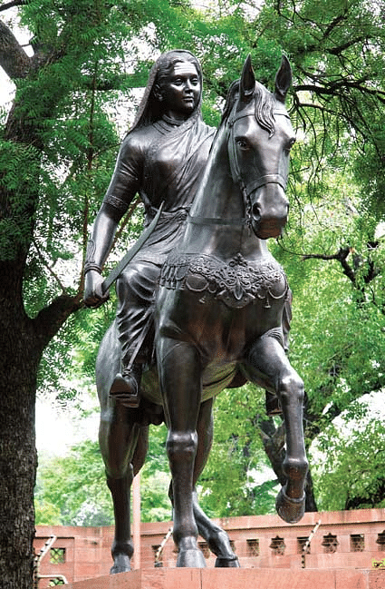 """The statue of Rani Chennemma installed at the Parliament in New Delhi. <i>(Photo Courtesy: <a href=""""http://164.100.47.194/loksabha/PhotoGal/PhotoGalleryPicture.aspx?GalID=1"""">Parliament of India</a>)</i>"""