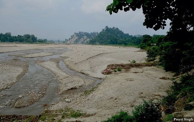 The Pandai, a hilly river, comes from Nepal and flows along the India-Nepal border to later join the Burhi Gandak River. The Pandai brought a massive flash flood to Bhikhnathori village and eroded 31 households.