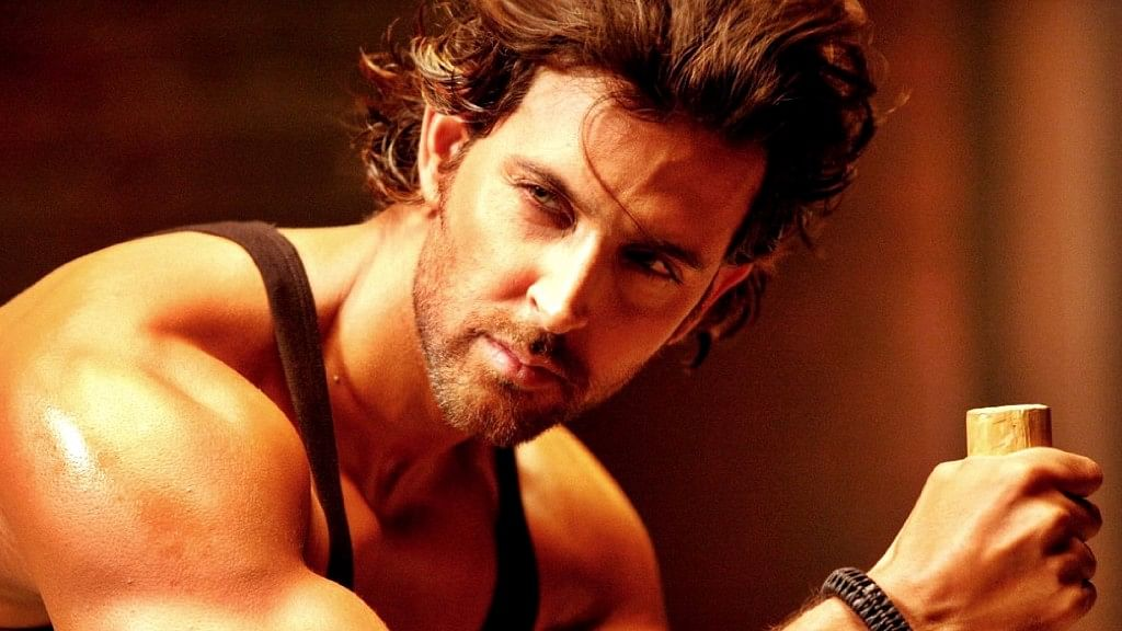 Hrithik Roshan has asked his Bollywood friends not to take sides in his feud with Kangana Ranaut.