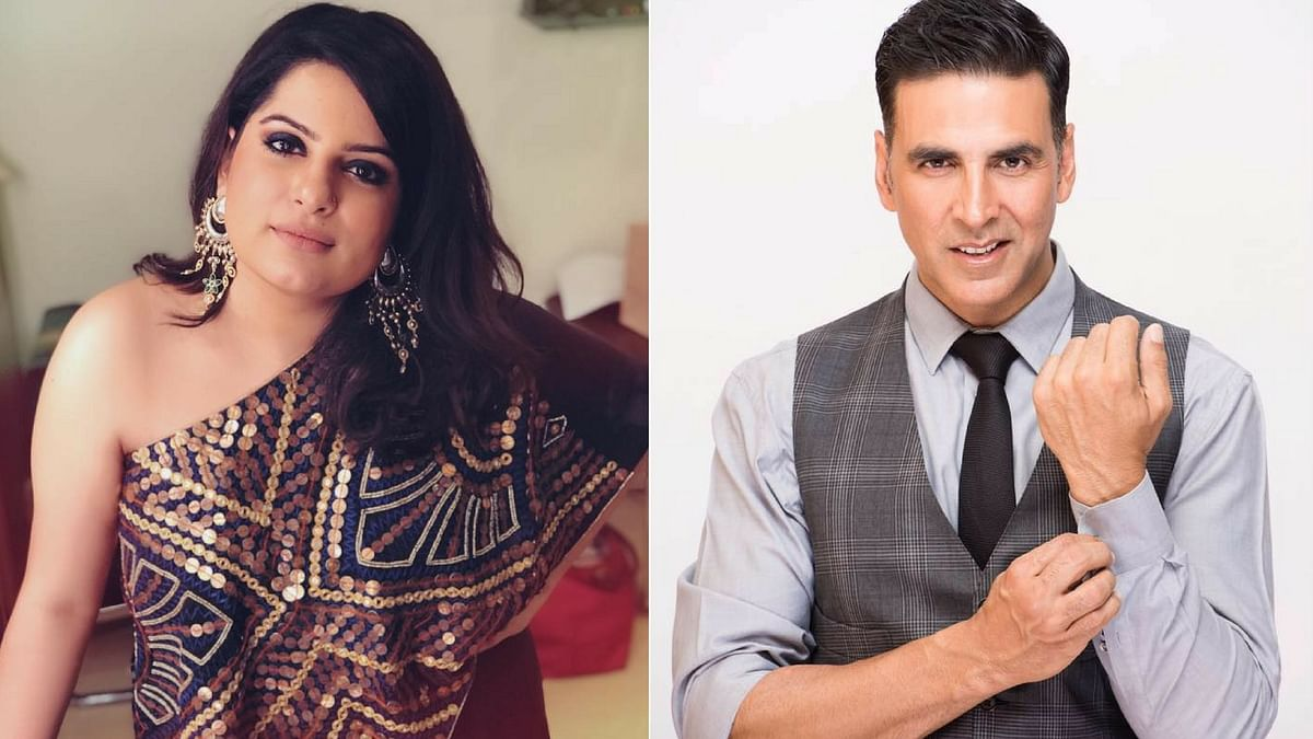 Mallika Dua reacts to Akshay Kumar's comment on <i>The Great Indian Laughter Challenge</i>. <i>(Photo Courtesy: Facebook/Altered by <b>The Quint</b>)</i>