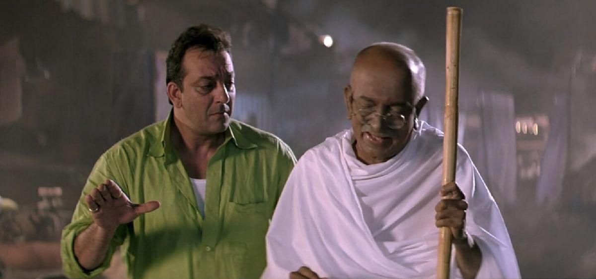 Sanjay Dutt and Dilip Prabhavalkar in <i>Lage Raho Munna Bhai.</i>