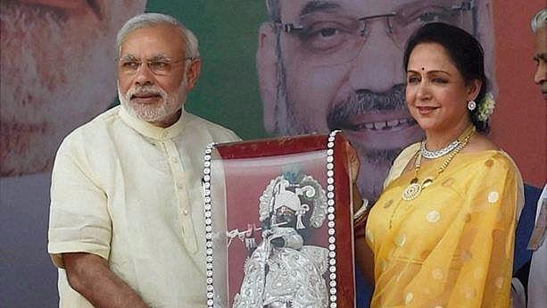 File image of Prime Minister Narendra Modi with Hema Malini at an event.