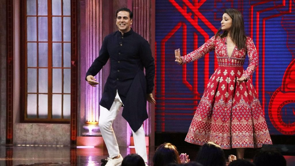 Akshay Kumar dances with Parineeti Chopra on <i>The Great Indian Laughter Challenge.</i>