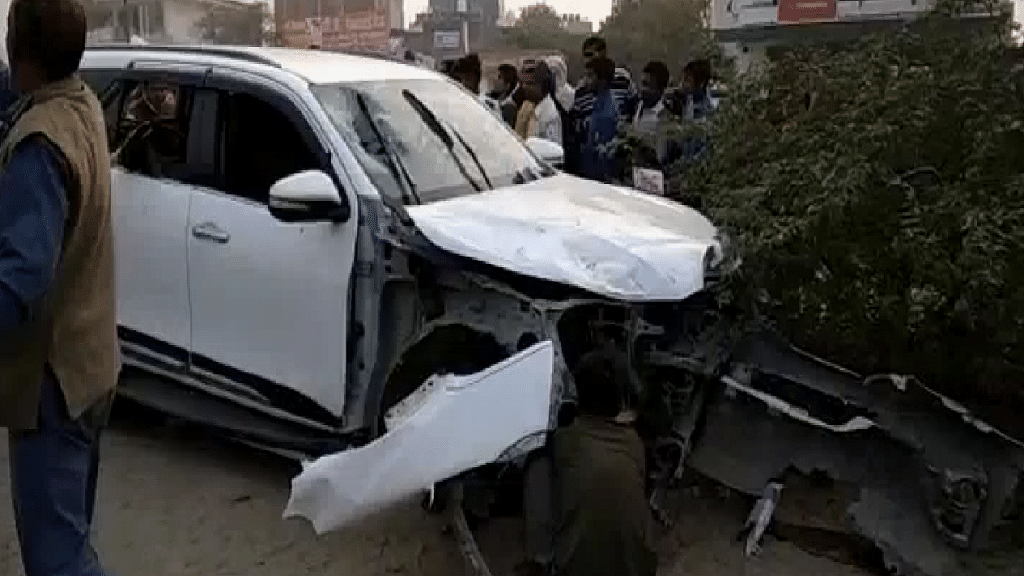 Family of Slain BJP Leader Protest With His Body in Greater Noida
